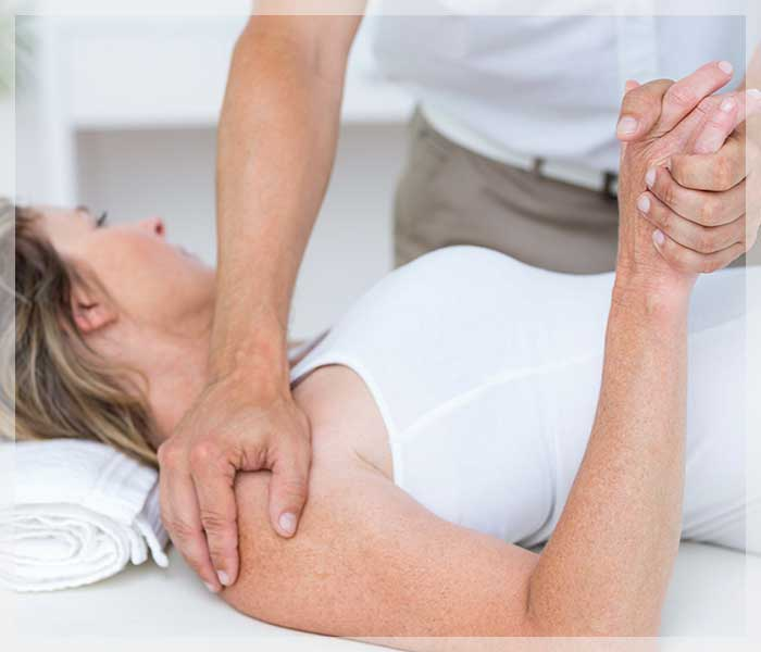 Shoulder rteatment at Leeds Complementary Therapy Centre